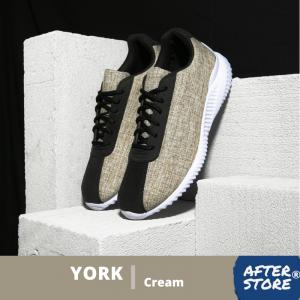 sepatu sneakers pria cream