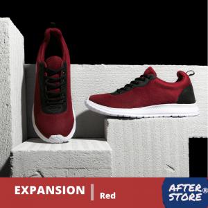 Sepatu Expansion Red yang merupakan sepatu sneakers pria terbaik